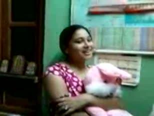 Ankita يريد أن leasbion أيضا سحق شركة